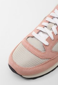 Saucony - JAZZ VINTAGE - Trainers - tan/muted clay - 2