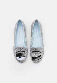 CHIARA FERRAGNI - Mocassins - silver glitter - 4