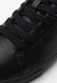 Levi's® - WOODWARD - Sneakersy niskie - brilliant black - 5