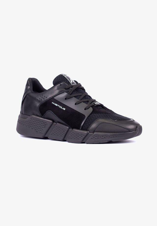 JOKER - Trainers - black