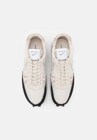Nike Sportswear - DBREAK-TYPE - Trainers - light orewood brown/black/white - 5