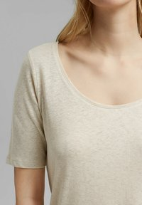 Esprit - Basic T-shirt - light beige - 3
