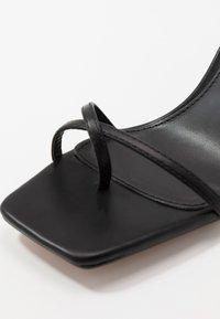 Topshop - NATURE STRAPPY BLOCK - Sandalias de dedo - black - 2