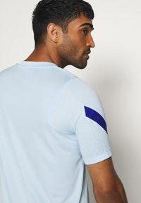 Nike Performance - CHELSEA LONDON - Vereinsmannschaften - cobalt tint/rush blue - 3