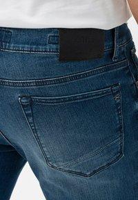 BRAX - STYLE CHUCK - Slim fit jeans - vintage blue used - 4