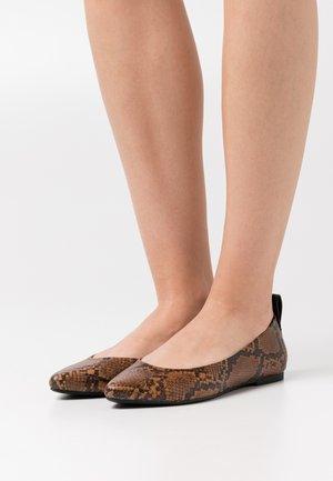 ONLANAS ANIMAL HEEL - Ballet pumps - brown