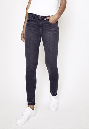 GRACIA - Slim fit jeans - dunkelgrau