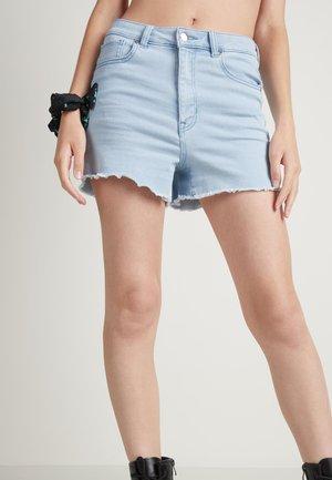JEANSSHORTS MIT HOHEM BUND - Denim shorts - light jeans