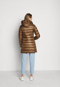 Blauer - IMPERMEABILE LUNGHI IMBOTTITO - Down coat - dark beige - 2