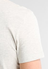 Pier One - T-shirt - bas - off-white - 4