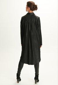 Notyz - ULRIKE - Button-down blouse - black - 2