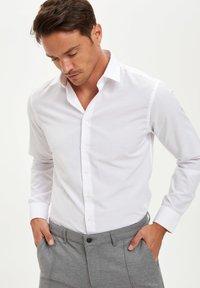 DeFacto - Formal shirt - white - 3