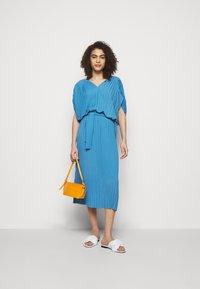 Henrik Vibskov - NEW JELLY DRESS PLISSE - Denní šaty - blue - 1