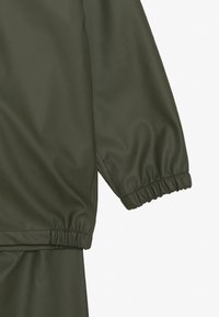 Name it - NKNDRY RAIN SET - Rain trousers - thyme - 4