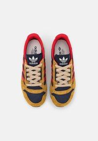 adidas Originals - ZX 500 UNISEX - Trainers - mesa/scarlet/legend ink - 3