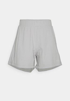 LOOSE SHORTS - Short de sport - alloy