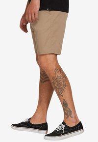 Volcom - FRICKIN MDRN STCH  - Shorts - beige - 2