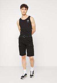 Cars Jeans - RANDOM - Shorts - black - 1