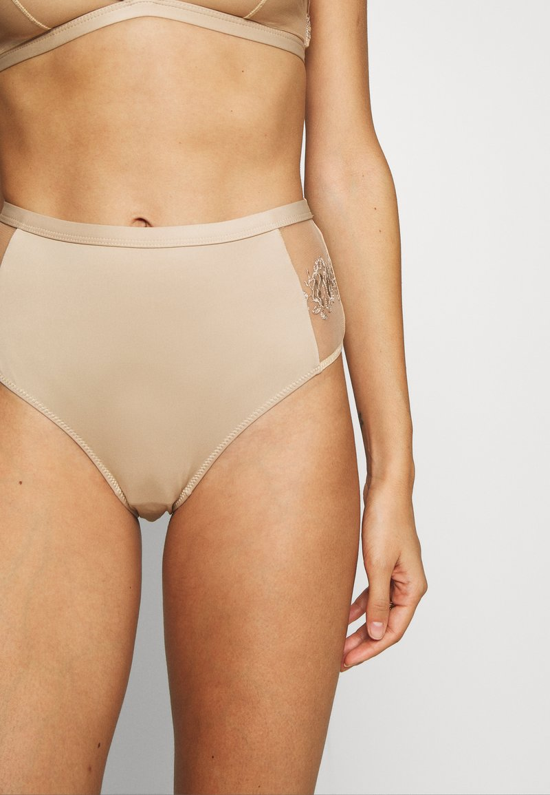 NA-KD - ROMANTIC FRENCH EMBROIDED HIGHWAIST PANTY - Shorty - tapioca