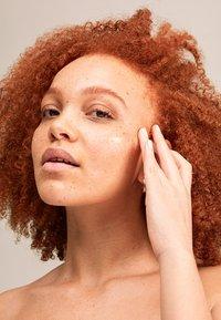 Pai Skincare - THE IMPOSSIBLE GLOW - Serum - - - 6