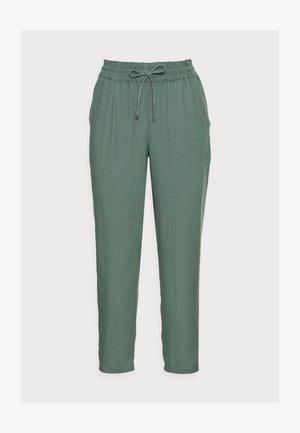 VMASTIMILO ANKLE PANTS - Trousers - laurel wreath
