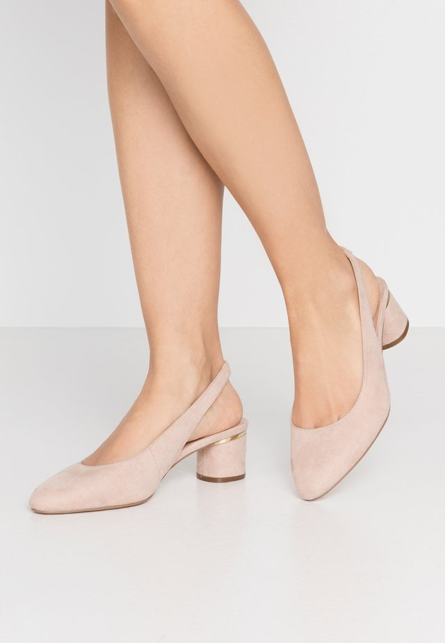 WIDE FIT DOLLAR CYCLINDER HEEL SLINGBACK COURT - Classic heels - nude