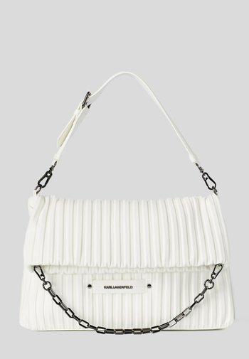 KUSHION FOLDED TOTE - Shopping bag - white