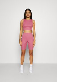Missguided - RACER NECK CROP AND CYCLING SET - Shorts - pink - 0
