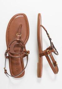 Coach - JERI - Sandály s odděleným palcem - saddle - 3