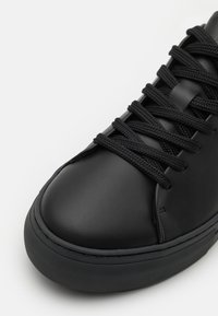 Selected Homme - SLHDAVID CHUNKY CLEAN - Tenisky - black - 5