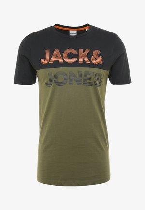JCOMILLER TEE CREW NECK - T-shirt print - winter moss