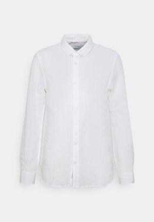 SLIM FIT SHIRT - Košile - white