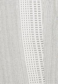Vero Moda Tall - VMDICTHE TIE SHORTS  - Shorts - birch - 2