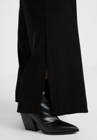 Opening Ceremony - SIDE SLIT PANT - Trousers - black - 4