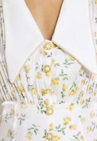 Sister Jane - GAME FLORAL MINI DRESS - Shirt dress - ivory - 5