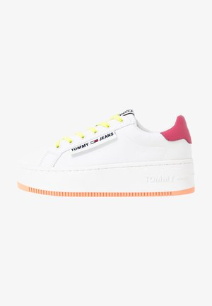 NEW ROXY 2D - Trainers - white/blush red/melon orange