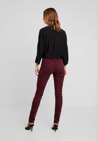 Pepe Jeans - KATHA - Pantalones - bordeaux - 2