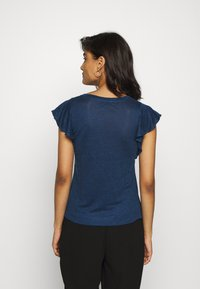 Banana Republic - FLUTTER SLEEVE - Basic T-shirt - washed indigo - 2