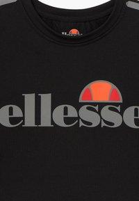 Ellesse - LISSARO CROPPED PERFORMANCE TEE - T-Shirt print - black - 3