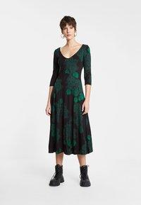 Desigual - VEST YESS - Jumper dress - green - 0