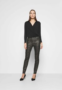 Mos Mosh - SUMNER ANIMAL COATED  - Jeans Skinny Fit - gold - 1