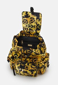 Versace Jeans Couture - SHELLY BACKPACK - Batoh - black - 3