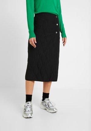 CLAIR QUILTED SKIRT - Pouzdrová sukně - black