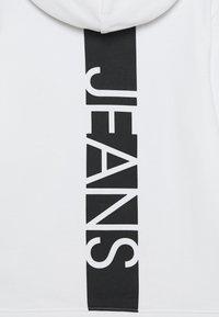 Calvin Klein Jeans - HERO LOGO HOODIE - Hoodie - white - 2