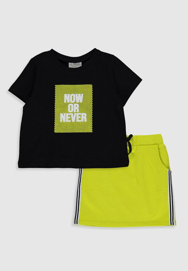 ANZUG - Pyjama - green