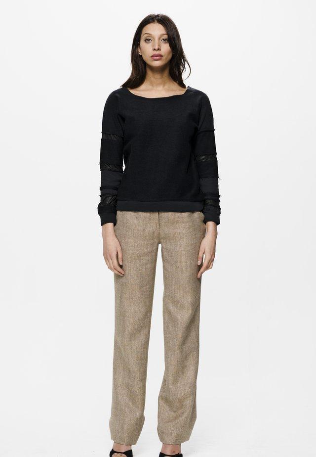 KARA PATCH - Sweatshirt - black