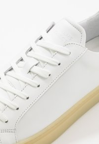 GARMENT PROJECT - TYPE - Trainers - white - 5