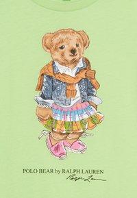 Polo Ralph Lauren - BEAR TEE - Triko spotiskem - key lime - 3