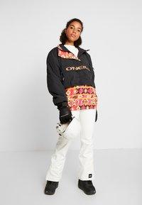 O'Neill - BLESSED PANTS - Ski- & snowboardbukser - powder white - 1