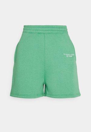 BUTTON RUNNER - Shorts - green